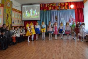 на празднике русской песни в Сорокинской школе